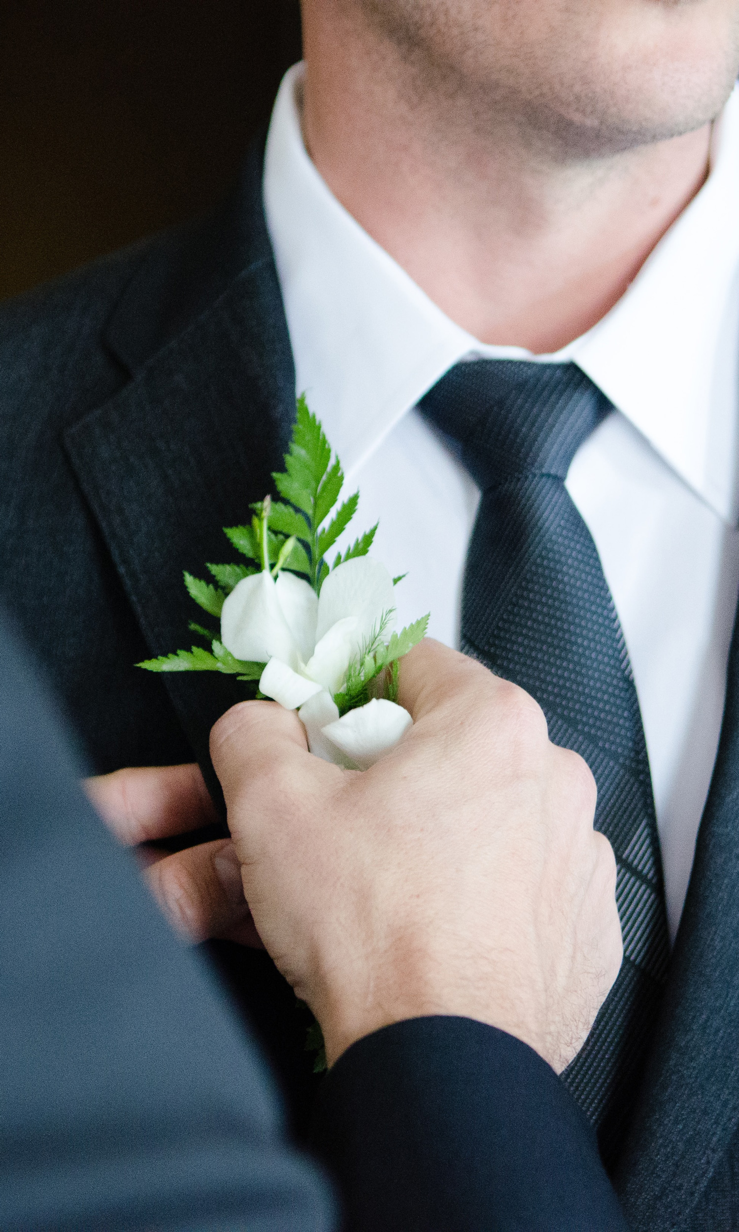 groom and best man buttonhole
